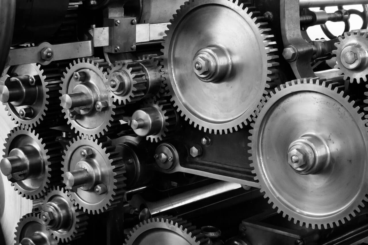 black-and-white-cogs-gears-159298 (1)